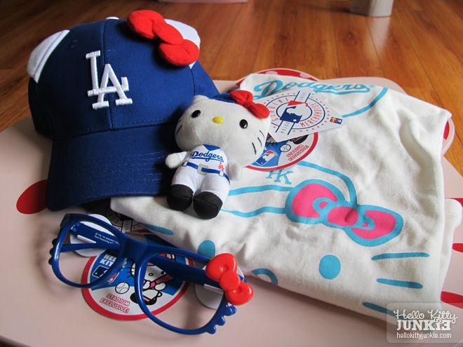 b9e62004fb5 I want! I need! I have to have a hello kitty Dodger s hat   glasses ...