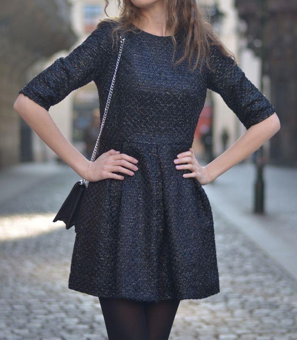 6ce62a9ee949 Luxusní černé šaty z pevné látky - vinted.cz