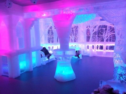 Crazy Minus5 Ice Bar Is New York S Coolest Drinking Spot Literally