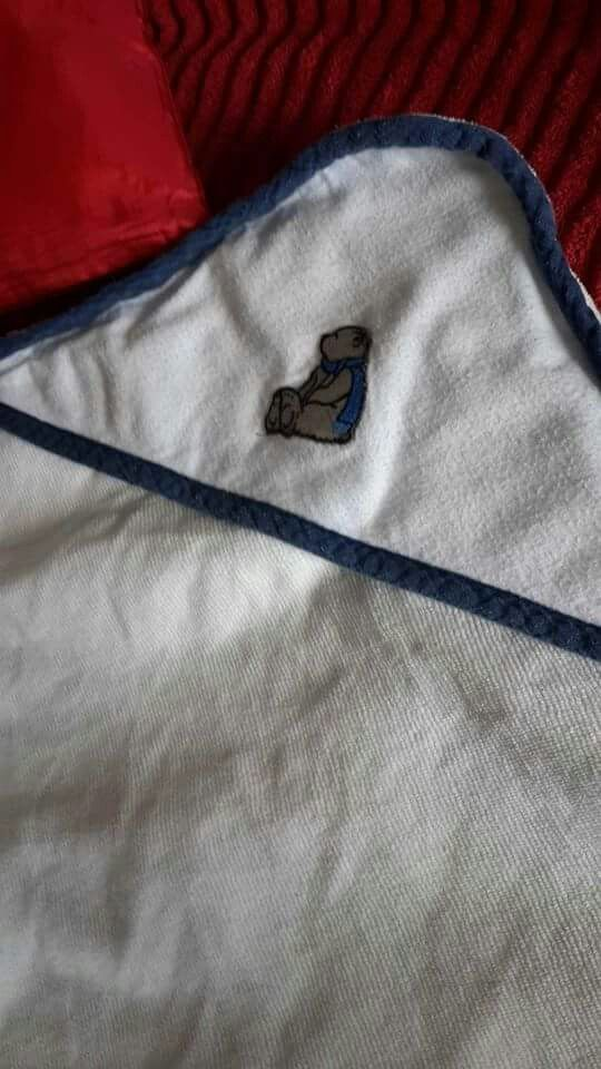 Hooded towels 1m x1m