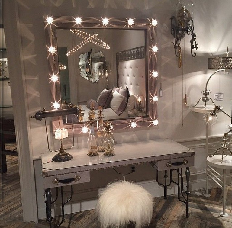 20+ Top Makeup Room Ideas Bedroom makeup vanity, Vintage