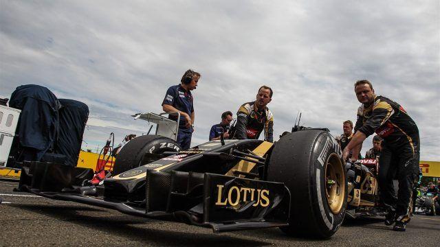 Romain Grosjean Fra Lotus E23 Hybrid On The Grid At Formula One