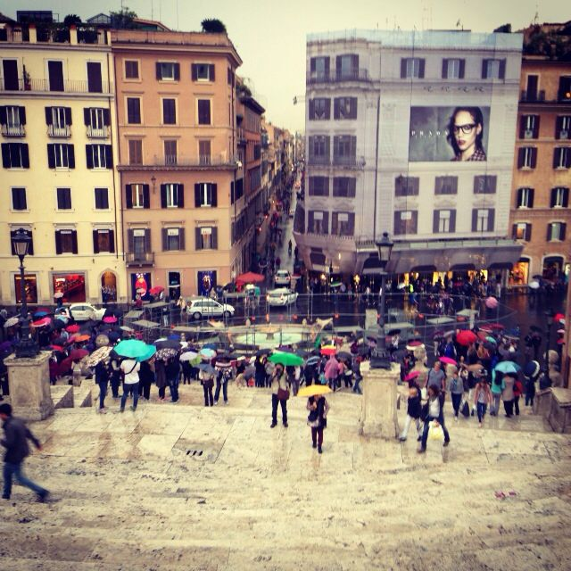 Umbrellas at the Spanish Steps!