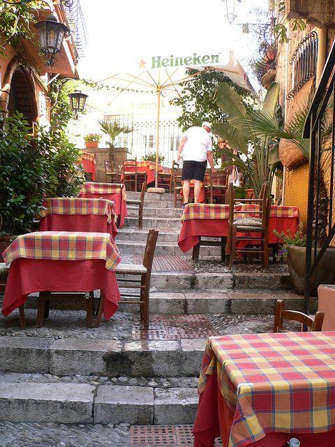 Taormina Restaurants On The Steps Taormina Sicily Italy