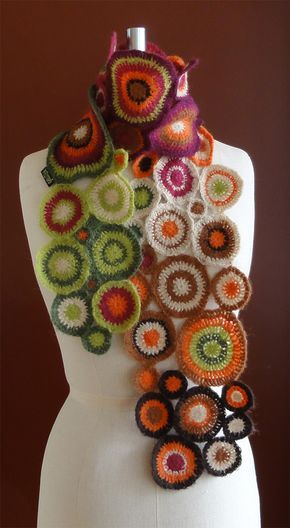 Schal aus bunten Kreisen | häkeln | Pinterest | Der schal, Schals ...
