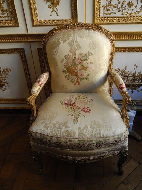 Versailles Dans L Appartement De M Adelaide Adelaide De France Dite Mde Adelaide A Partir De 1752 4 Fille De Loui Versailles Chateau Mobilier De Salon