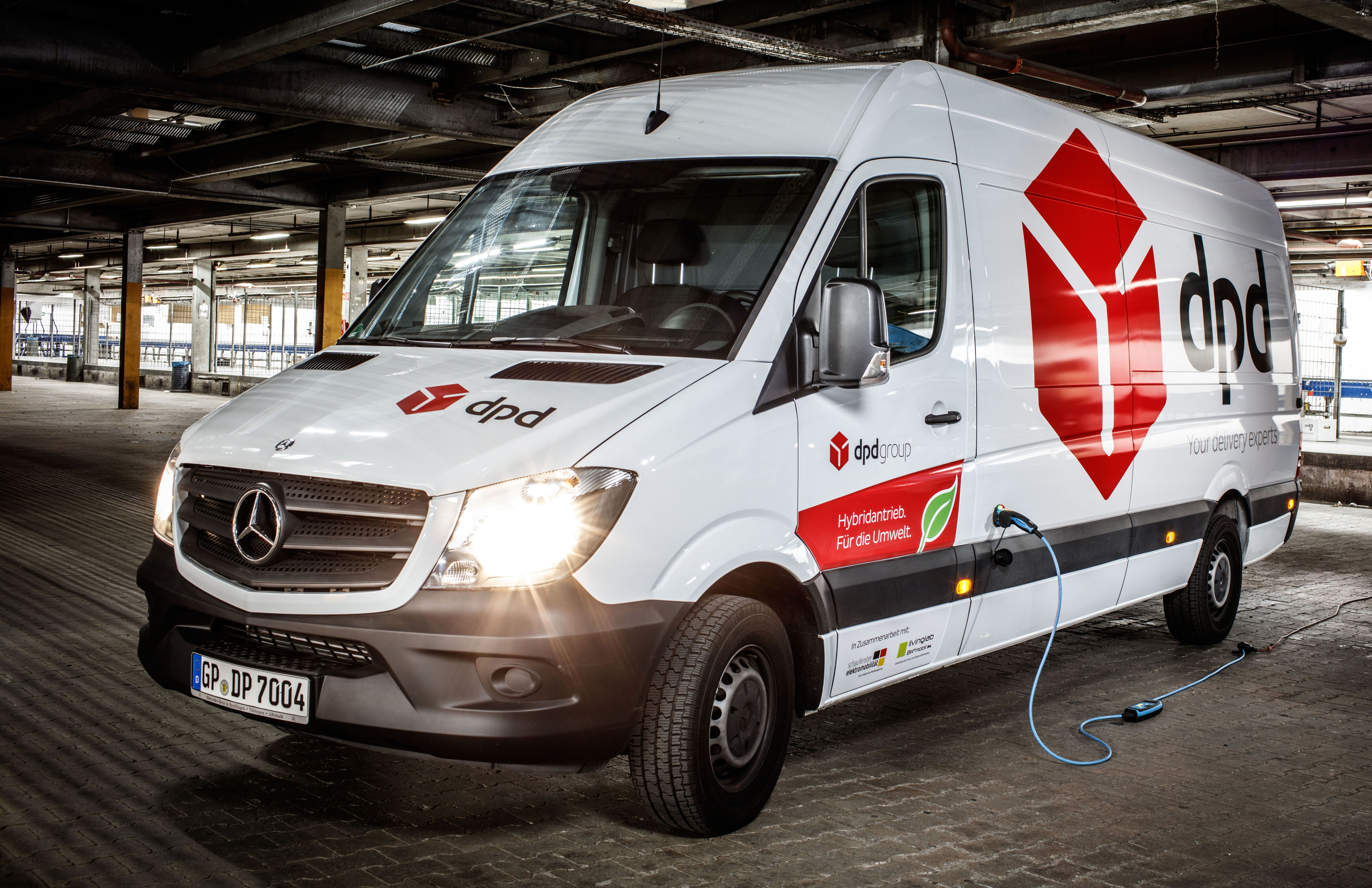 Dpd Mercedes Benz Sprinter Hybrid Parcel Delivery Vehicle