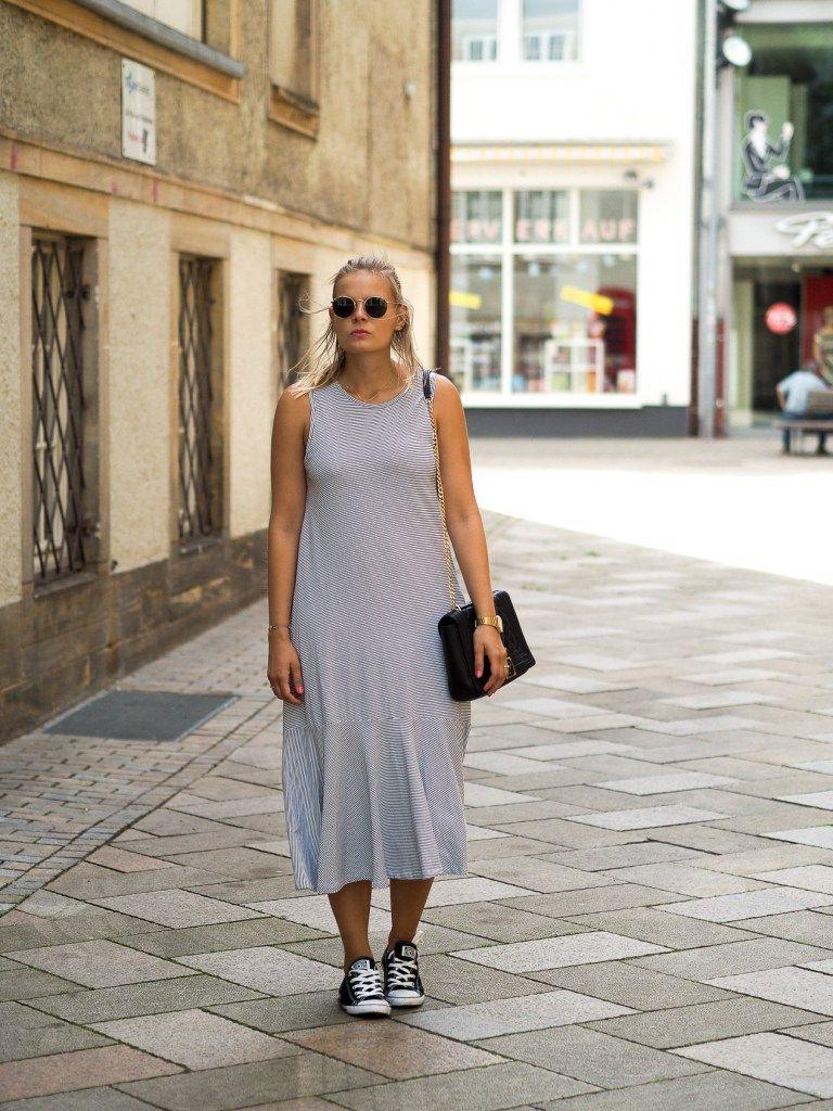 streifenkleid, streifen, stripes, ray-ban, moschino bag, rüschenkleid, dress, kleid, blond, sommerlook, streetlook, fashion, fashionblogger, lakatyfox, converse