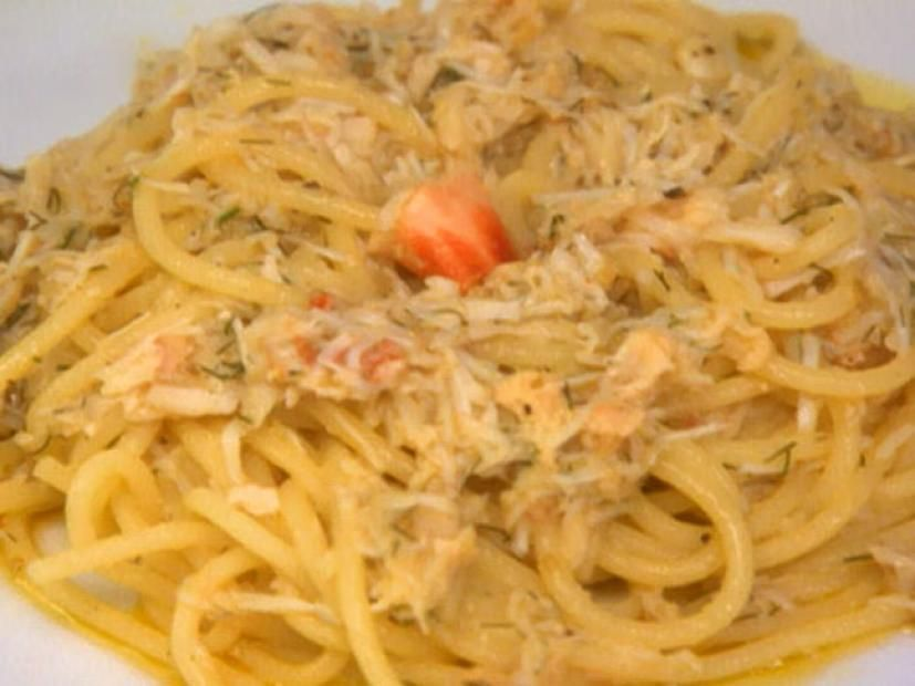 Crab And Cherry Tomato Fettuccini Recipe Food Network Recipes Giada Recipes Pasta Dishes