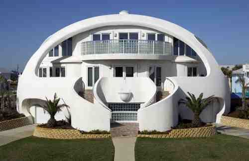 5 Strange Houses People Actually Live In Weird Worm Monolithic Dome Homes Dome House Dome Home