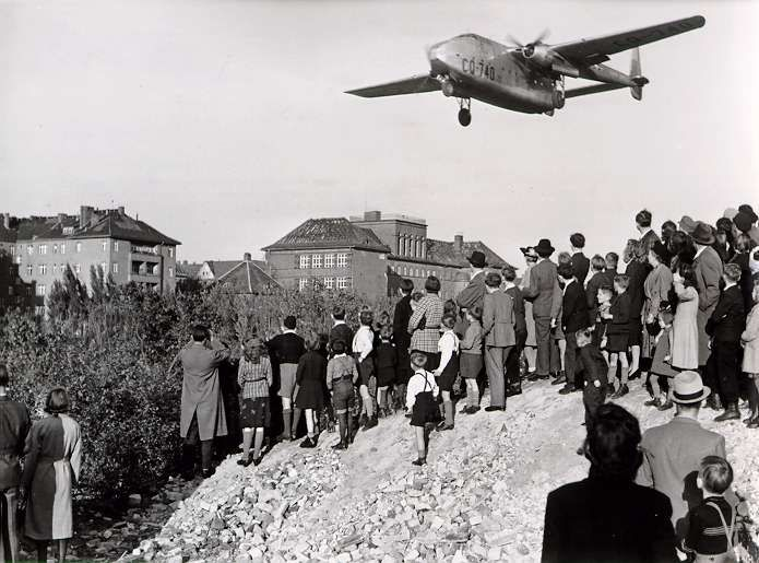 to what extent did the successes of the berlin blockade and airlift overshadow the negative outcomes The role of berlin airlift in the history of the united stalin`s blockade of berlin crystallized the situation and was a large factor in rehabilitating the.