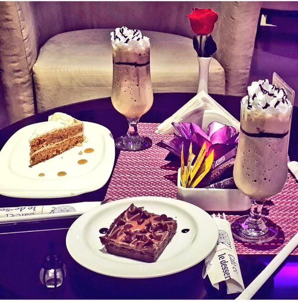 قهوة وحلى النسائي Cafe Et Dessert Food Alcoholic Drinks Rose Wine