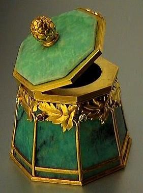 Superb gold mounted amazonite small box by the firm of Bolin, jeweler of the Imperial Court, made in Moscow between 1899 and 1908, workmaster Ivan Antonovich Flink