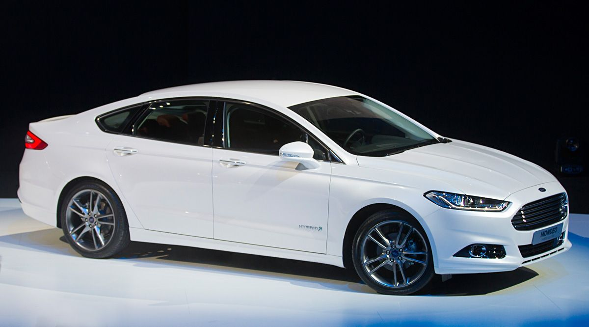 Ford Mondeo 2015 White >> The Past Forms Of The Mondeo Were Stand Alone However This Has