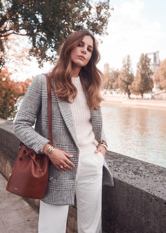 Fall Basics, Parisian Style – une femme d'un certain âge