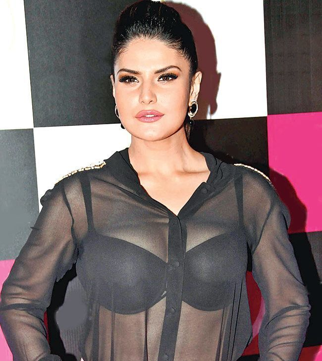 Watch Sexy Zarine Khan Bikini Wallpaper In Hd Quality She Also