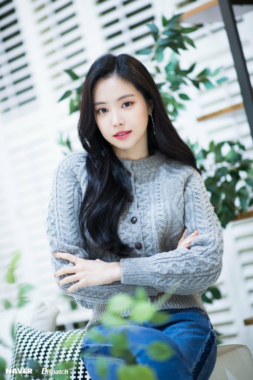 Pin oleh Koik Shahrum di Naeun 낭니 | Selebriti, Anime gadis ...
