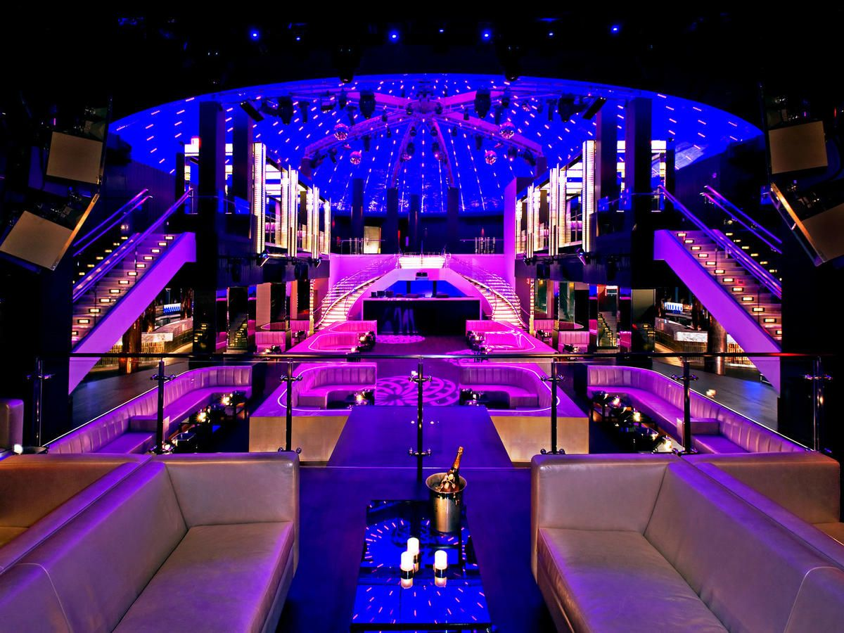 Fontainebleau Miami Beach Florida Bar Design Lounge Nightlife Party Play Resort Indoor Nightclub Night Light Stage