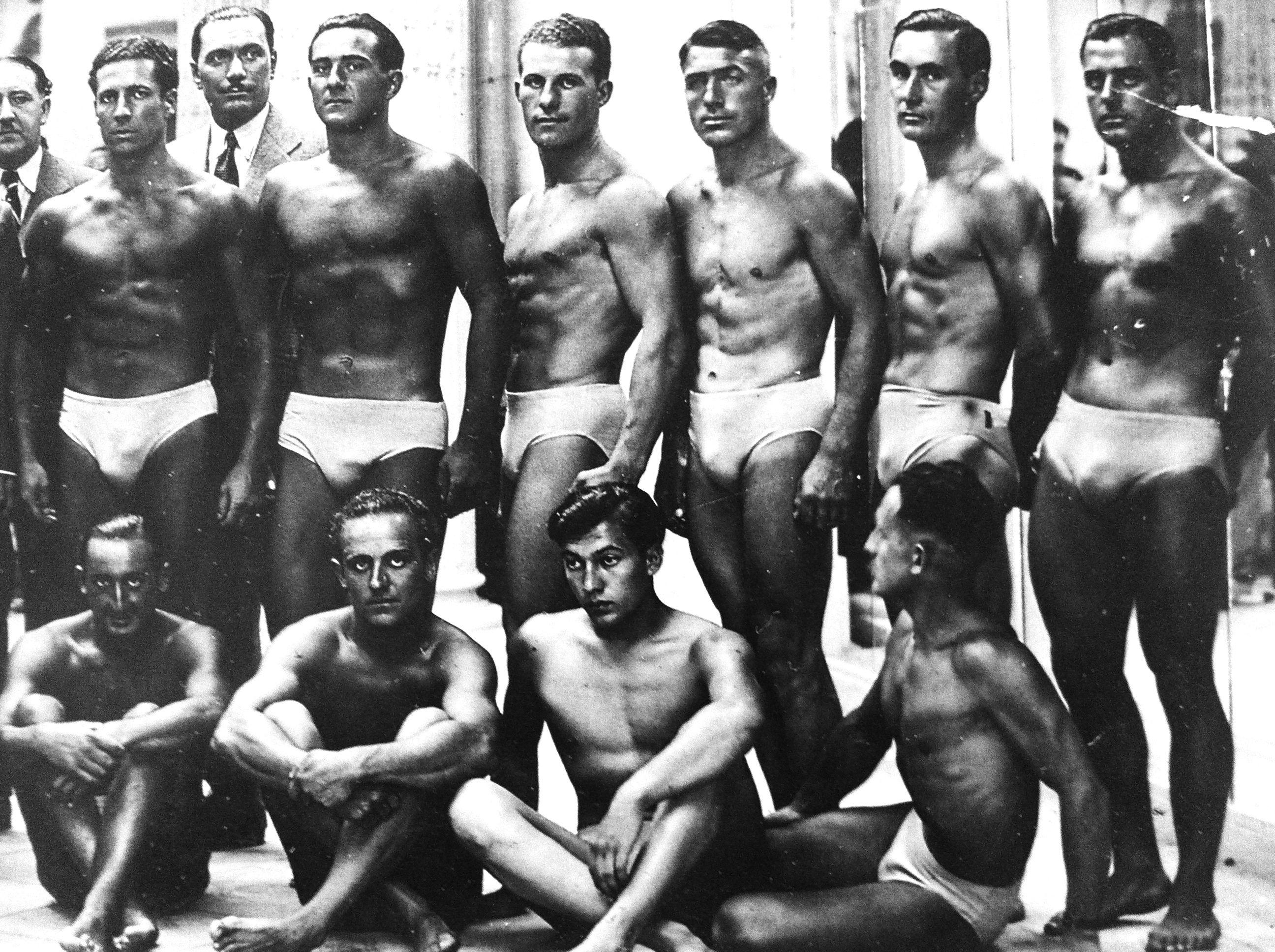 Vintage Swim Team 100