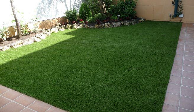 Elegir el tipo de suelo para un jard n peque o gardening en 2019 pinterest decorar patio - Suelos para jardin baratos ...