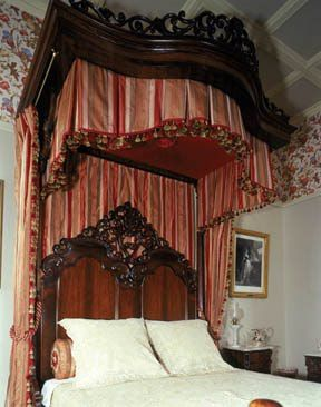 Know Your Terms Victorian Home Decor Victorian Bedroom Gorgeous Bedrooms