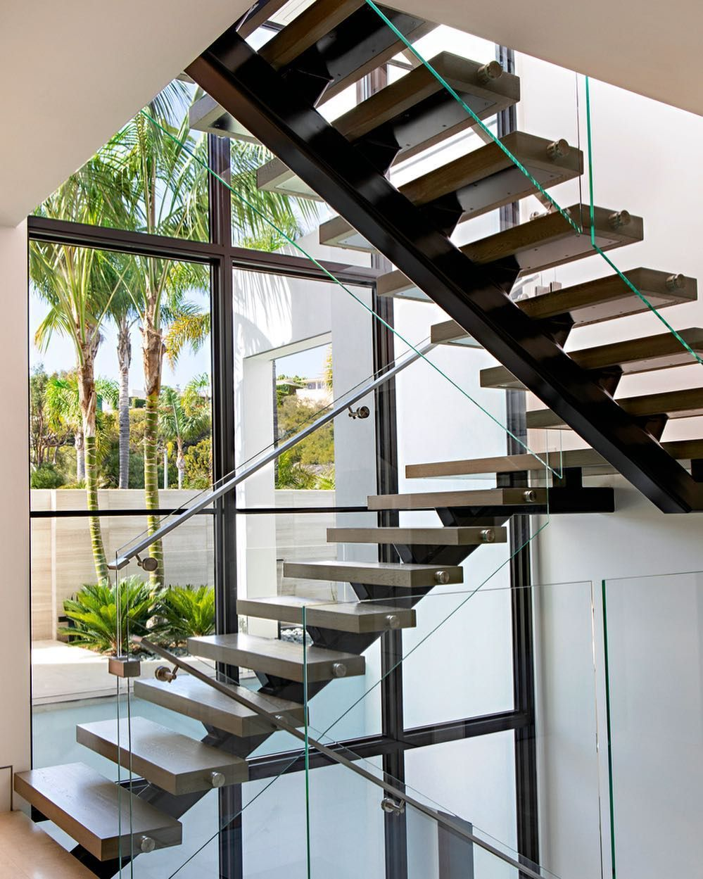 Attrayant Who Needs A Stair Master? #LuxeAtHome. @sandow | Photo ...