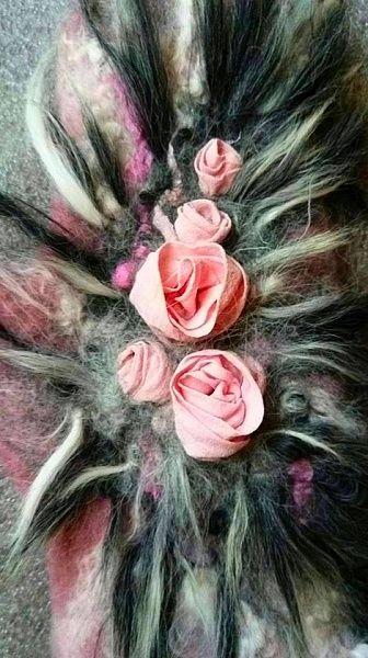 Выращивание роз из шелка и шерсти, на примере валяния митенки. Инна Макарова