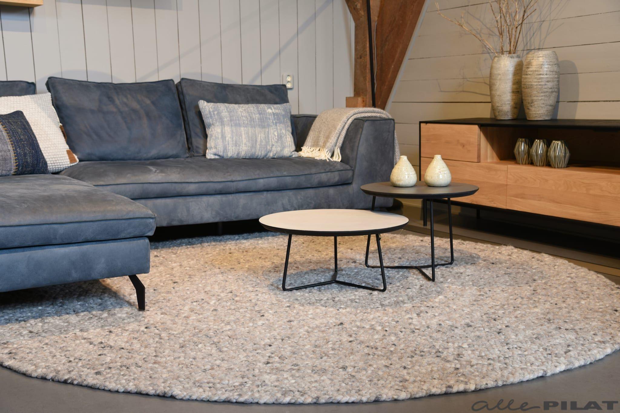 Wollen vloerkleed rond geheel op maat mogelijk woonwinkel in 2019