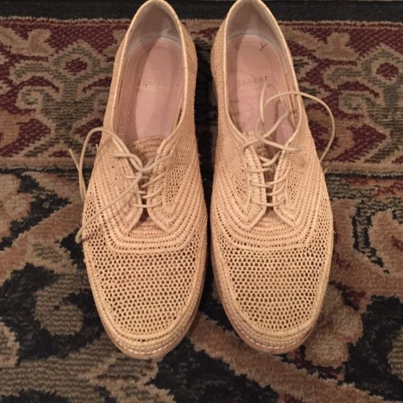 Woven Stuart Weitzman sneaker Little heel completely woven Stuart Weitzman Shoes Sneakers