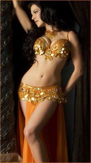 Egyptian shakira hot belly dancer and singer 3rabxxxtumblrcom - 2 4