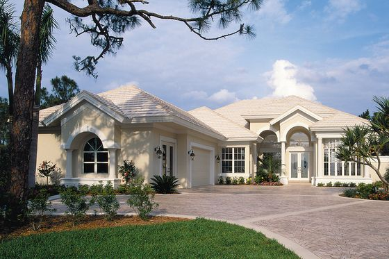 Contemporary Style House Plan 3 Beds 3 Baths 2794 Sq Ft Plan 930 17 Mediterranean Style House Plans Mediterranean House Plans Mediterranean Homes