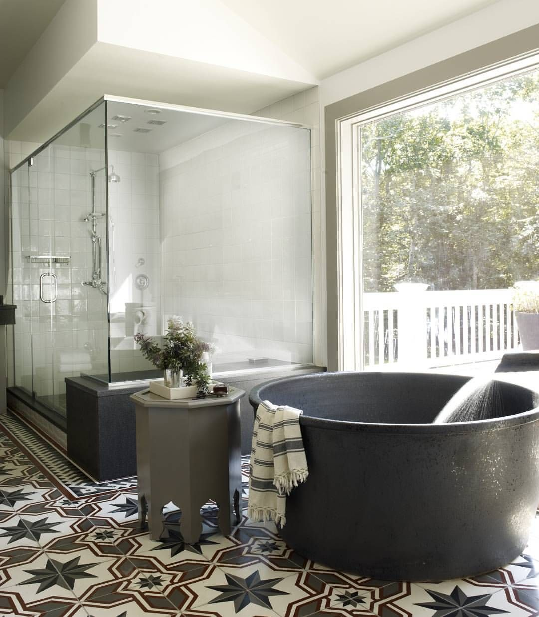 Awesome tub. Design: Tom Delavan | One Black Room ~ Powder & Bath ...