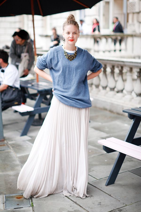 simple slouchy skirt with an awesome-looking necklace
