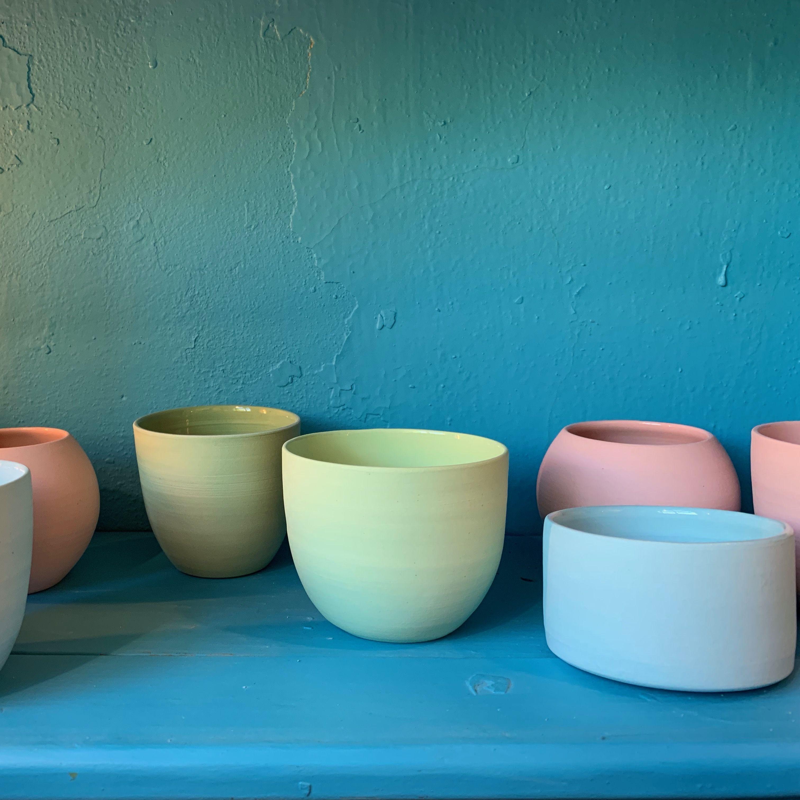Die Kleinen Cups In Verschiedenen Formen Und Farben Klein Und