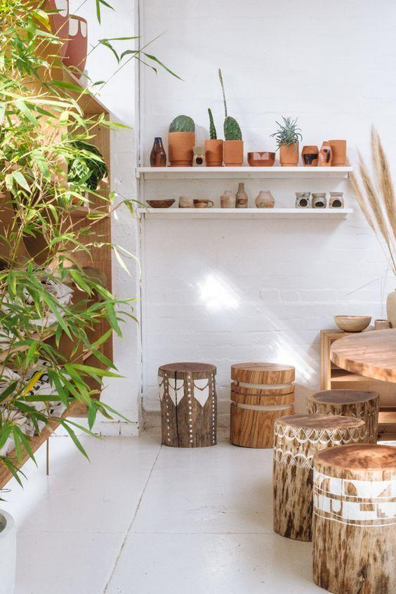 Decora con bancos y troncos de madera natural Madera natural La
