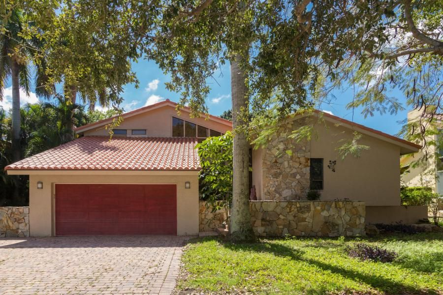 New Listing: Beautiful Home in The Colonnade in Boca Raton, Florida - Offered at $539,900 - http://npsir.com/new-listing-beautiful-home-colonnade-boca-raton-florida-offered-539900/