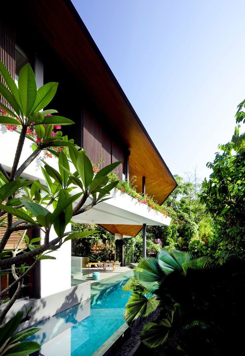 Futuristic modern mansion embeded in nature the winged house in singapore by k2ld architects