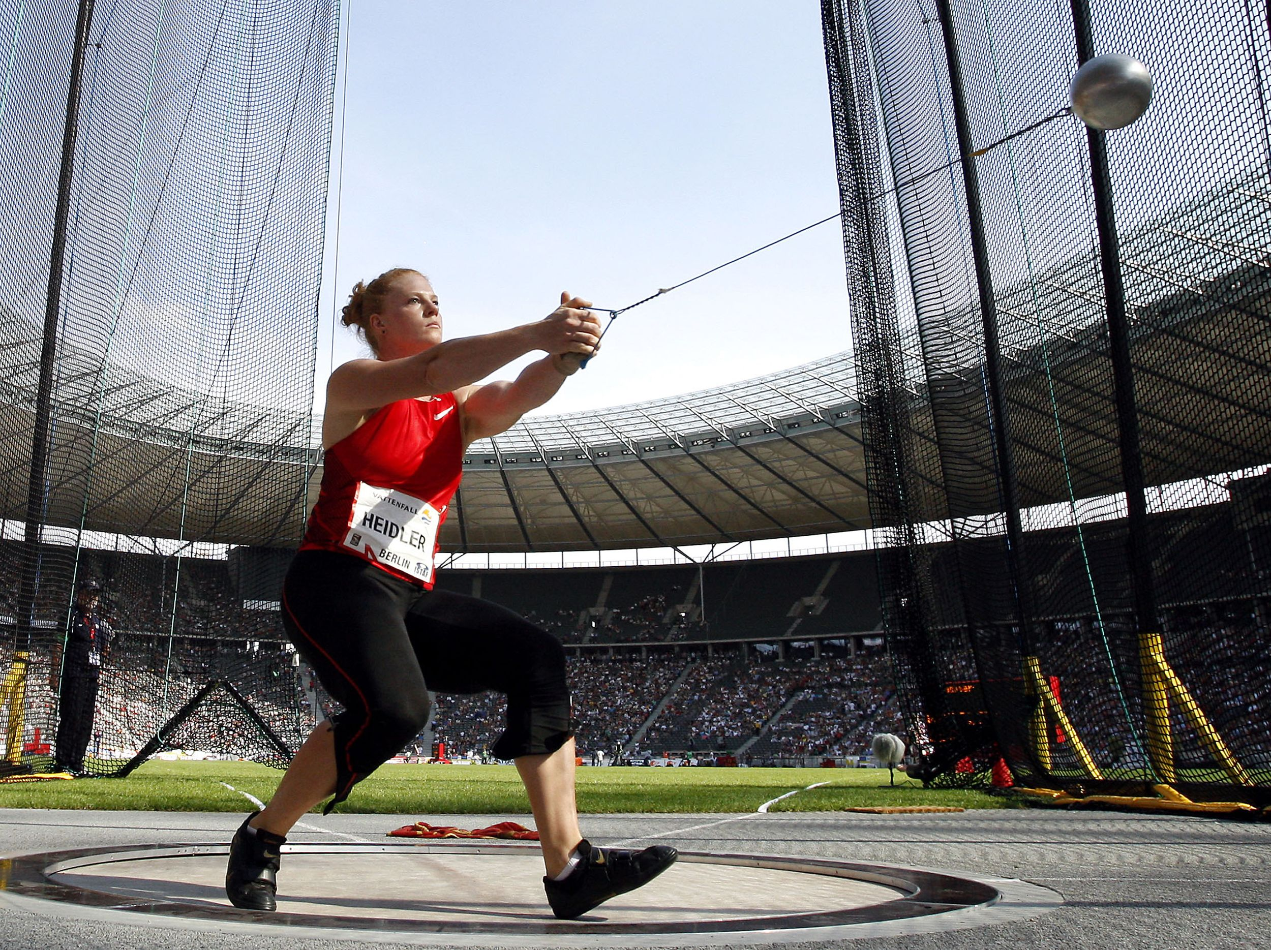 How The Hammer Throw Is Like A Particle Accelerator Hammer Throw Track And Field Track And Field Athlete