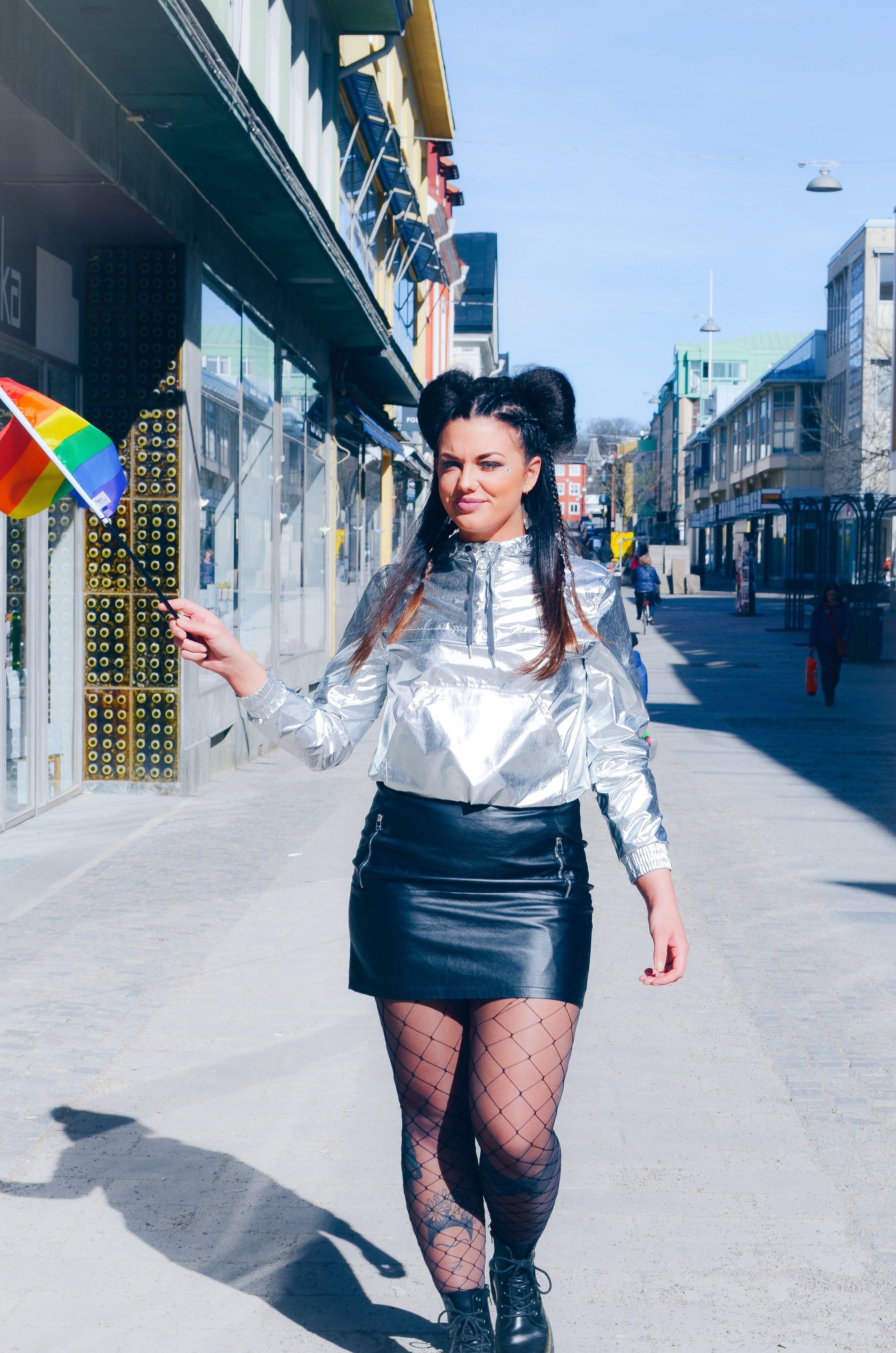 Pride låten lanserad och jag stylar artisten Vendela Hollström ... 2bab6627d03b9