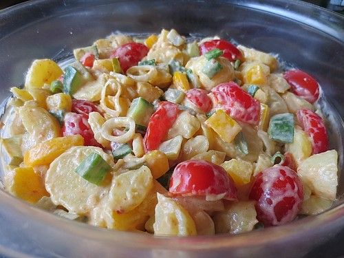 Pikanter Kartoffelsalat mit viel knackigem Gemüse #carneconpapas