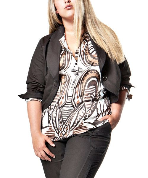 Every wardrobe needs a graphic top. Made with a comfy cotton-viscose blend and boasting an allover abstract print, this one makes a worthy contender. 52% cotton / 48% viscoseMachine wash; hang dryImported