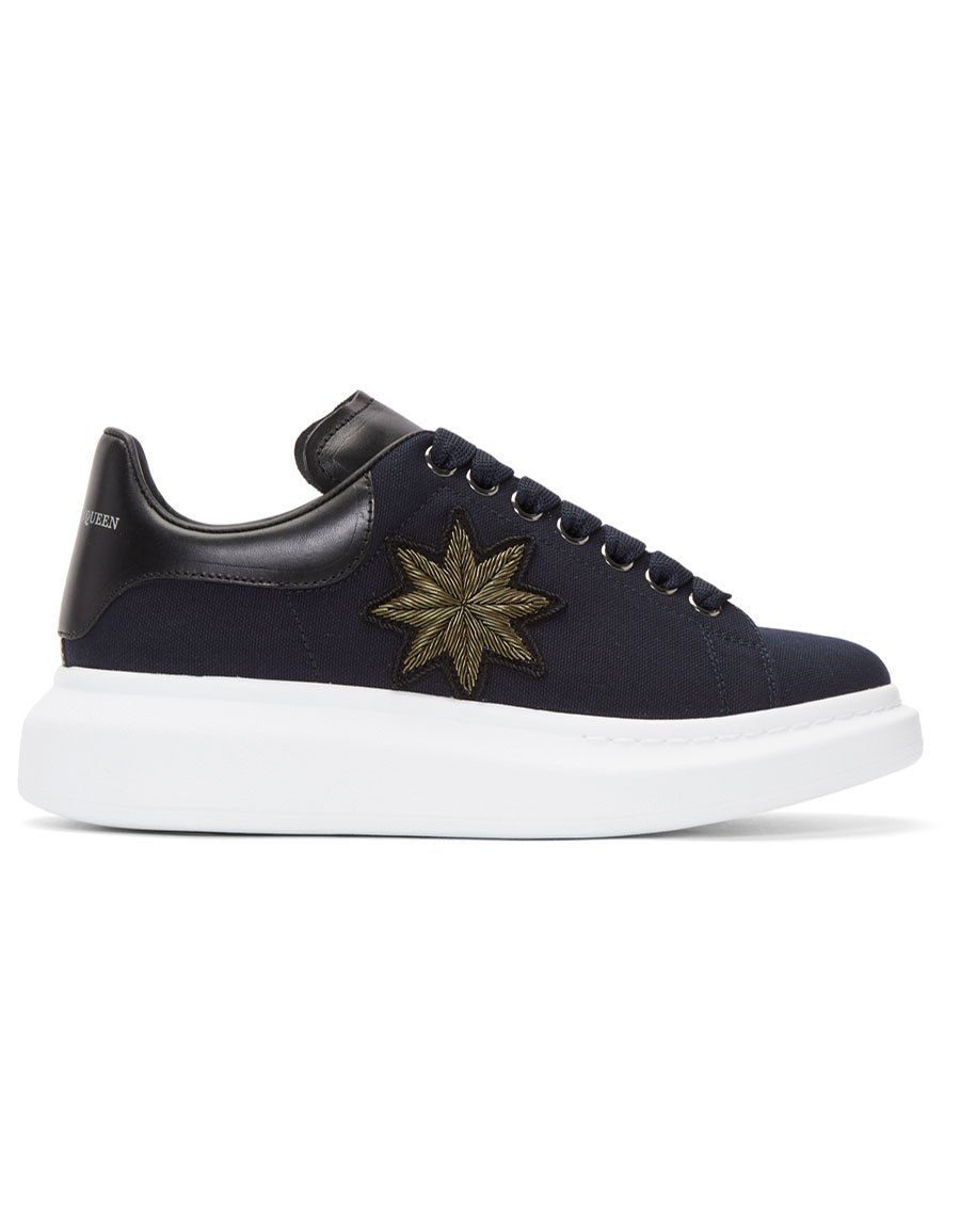 Alexander McQueen Navy Embroidered Oversized Sneakers pF2rJrnK