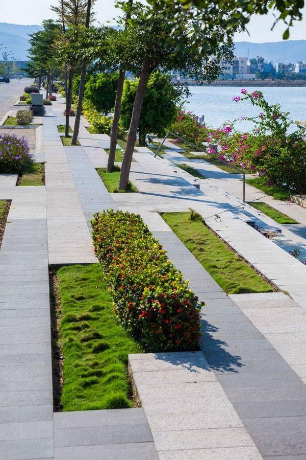 Dong Da Lake-scape Image courtesy of Mia Design Studio - diseo de jardines urbanos