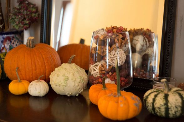 Grab a gourd and you have instant garden-rific decor: http ...
