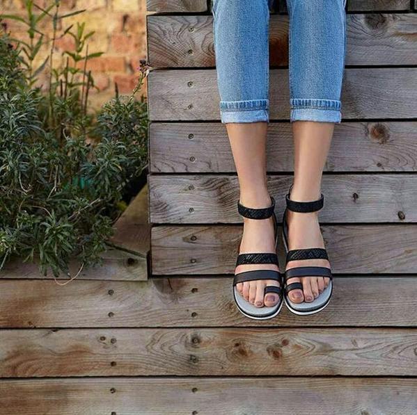 Ugg Zina Sandals Black Mofnrance Shoes Ugg