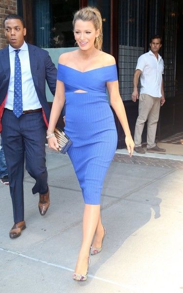 Blake Lively Maternity Dress | Cutout dress, Blake lively and York