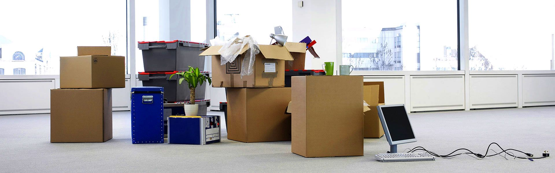 End Of Tenancy Cleaning In Oxford Buzzmaids Professional Cleaners Office Relocation Office Moving House Removals