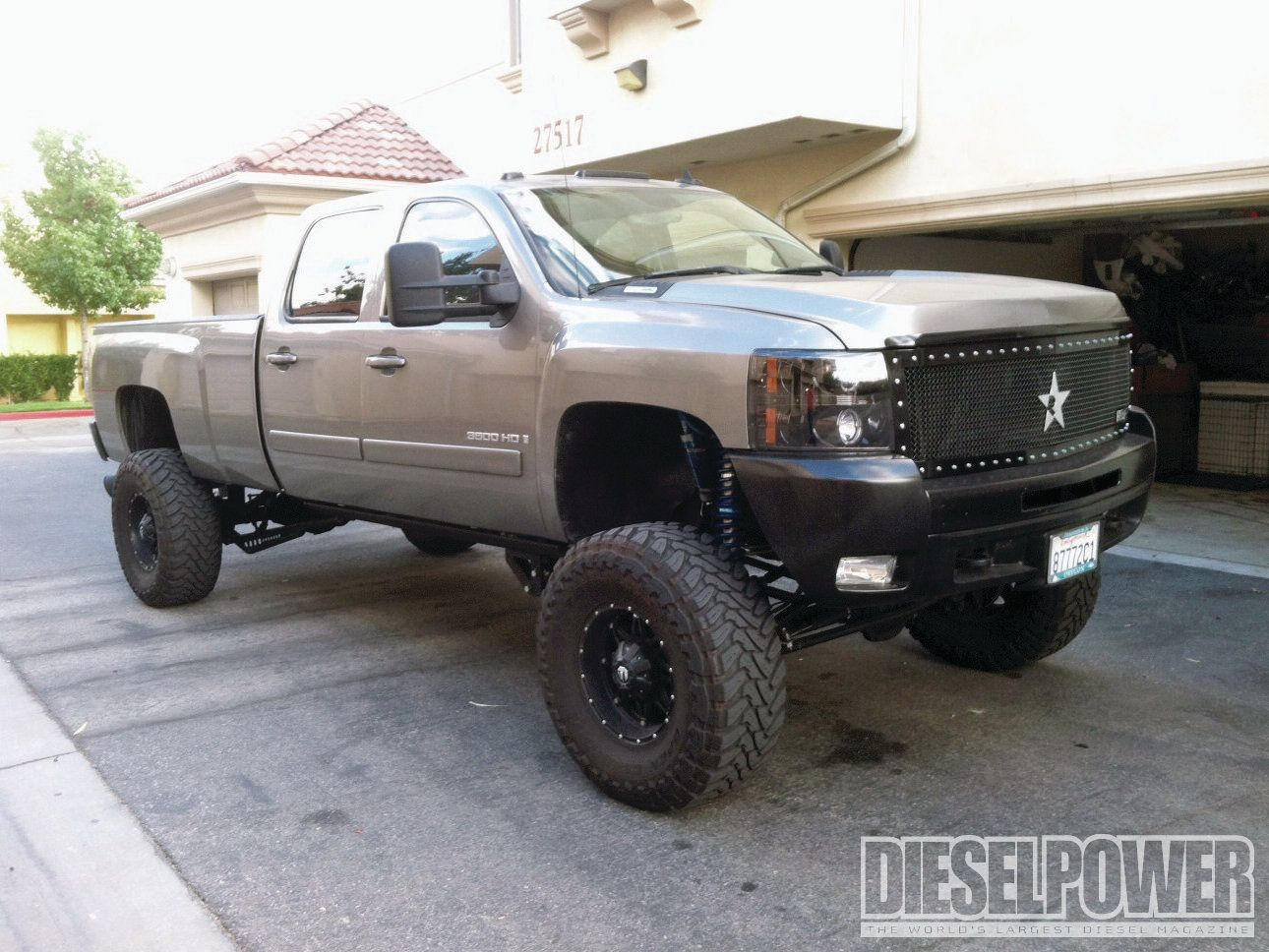 I Don T Like The Star Grill But The Rest Of The Truck Is Baddddd Chevrolet Trucks 4x4 Trucks Chevy Duramax