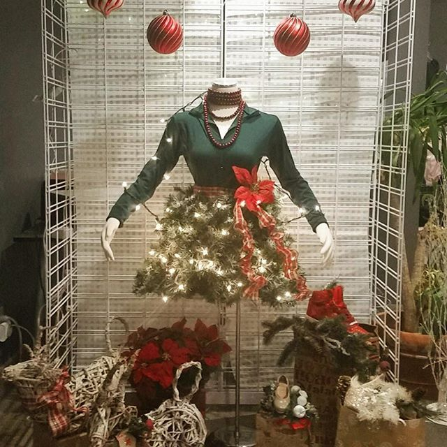It's beginning to look a lot like Christmas at #OYTdancewear! 🎄🎅🏻🎁👯