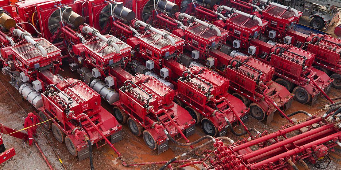 Halliburton Trucks Google Search Oilfield Life Oil Field Family Oil Service